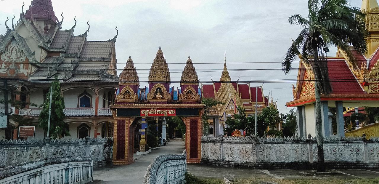 Cổng chùa Wach Pich Sóc Trăng