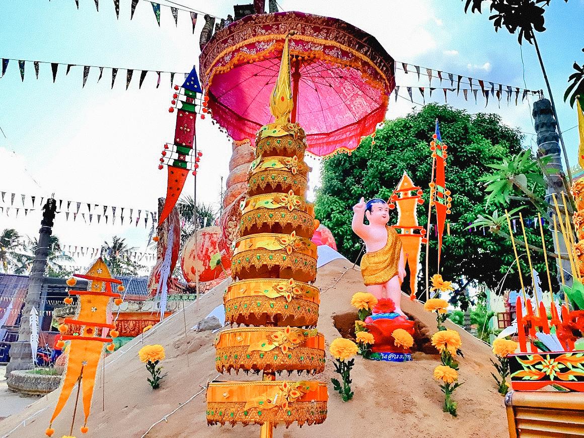 Trang trí dịp lễ ở chùa